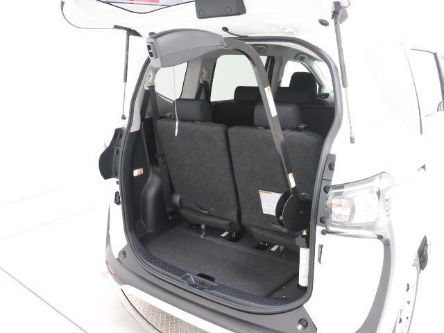 フクシシャリョウ G 福祉車両 ウェルキャブ 助手席回転チルトシート車 アラウンドビューモニター 7人乗り スマートキー ワンオーナー 3列シート イモビライザー デュアルエアバック ABS コーナーセンサー(4枚目)