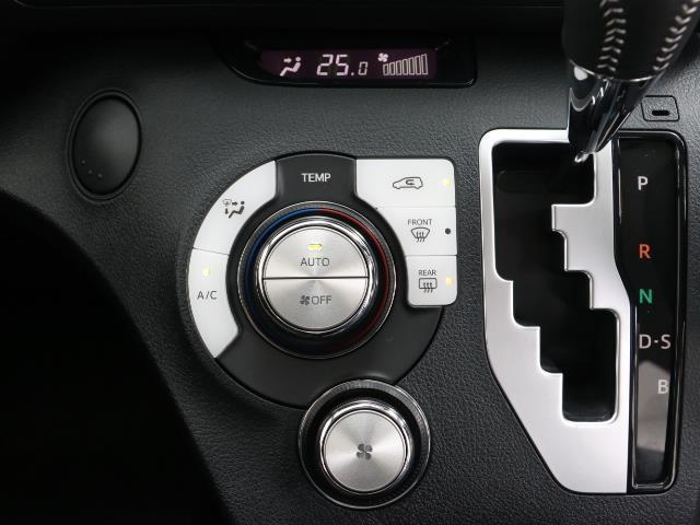 フクシシャリョウ G 福祉車両 ウェルキャブ 助手席回転チルトシート車 アラウンドビューモニター 7人乗り スマートキー ワンオーナー 3列シート イモビライザー デュアルエアバック ABS コーナーセンサー(10枚目)
