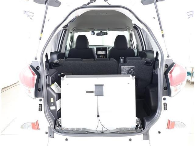 フクシシャリョウ G 福祉車両 ウェルキャブ 車いす仕様車 スロープタイプ タイヤ4本新品 車検整備付き 純正SDナビ バックモニター ETC キーレス メディアプレイヤー接続 DVD再生 ワンオーナー(17枚目)