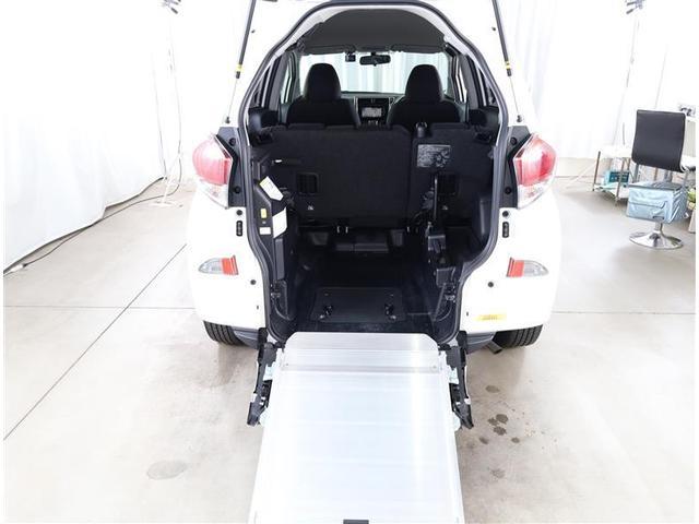 フクシシャリョウ G 福祉車両 ウェルキャブ 車いす仕様車 スロープタイプ タイヤ4本新品 車検整備付き 純正SDナビ バックモニター ETC キーレス メディアプレイヤー接続 DVD再生 ワンオーナー(18枚目)