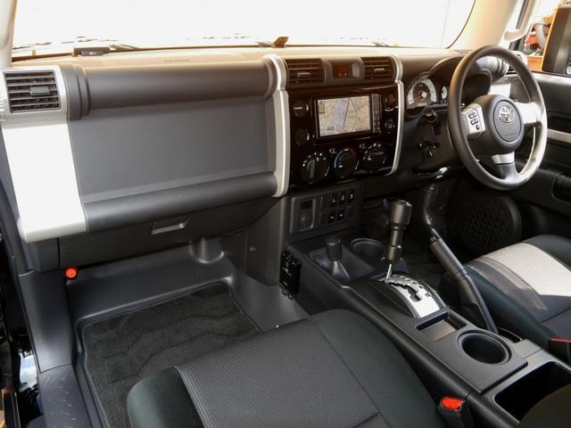 トヨタ FJクルーザー オフロードパッケージ 1オーナー 2インチリフトUP MKW