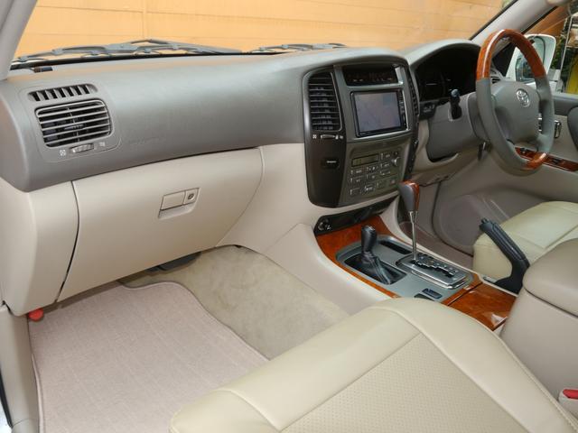 「トヨタ」「ランドクルーザー100」「SUV・クロカン」「東京都」の中古車19