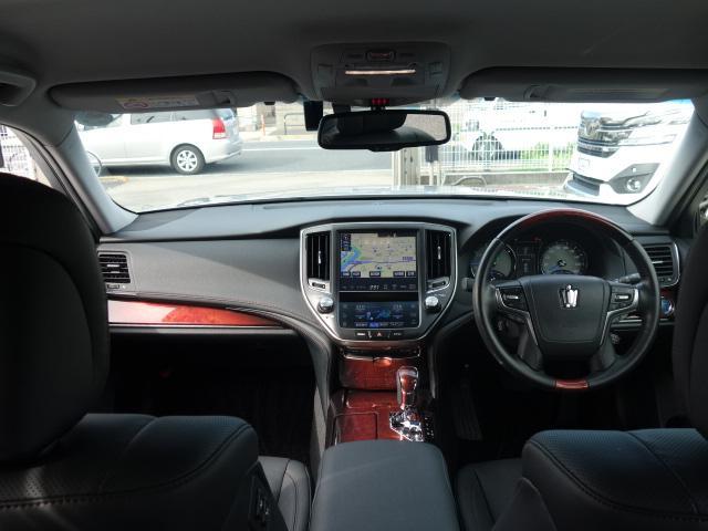トヨタ クラウンマジェスタ FバージョンプレミアムサウンドSパノラミックビューモニタ黒革
