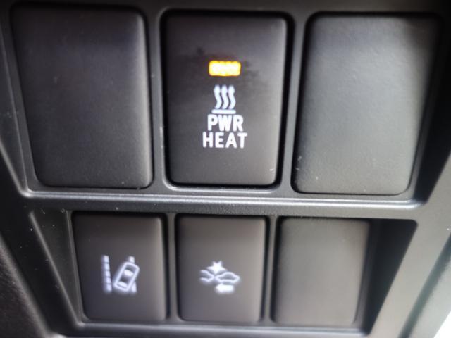 トヨタ ハイラックス Z黒革調シートカバー オールテレンホワイトレター キャノピー