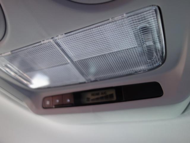 Mインターナビマルチビューカメラ助手席リフトアップシート車(14枚目)