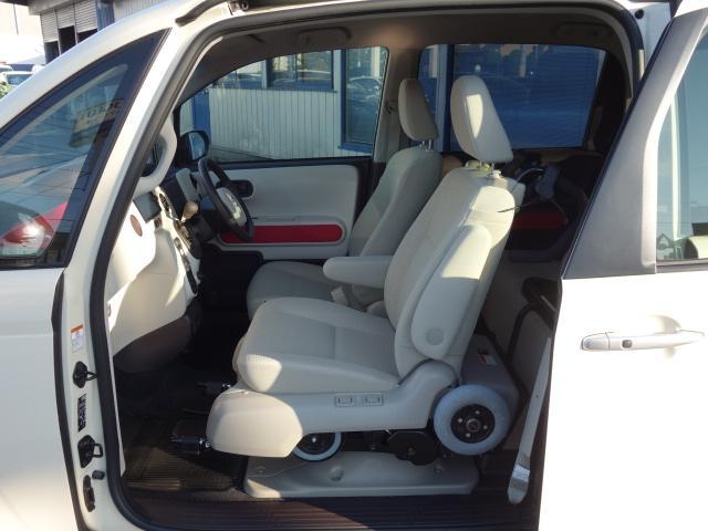 Fウェルキャブ車サイドアクセス車Aタイプ車いす収納装置脱着シート仕様手動式 純正SDナビバックカメラ ドライブレコーダー ナノイー ディスチャージヘッドライト TSS 衝突軽減 自動ドア(22枚目)