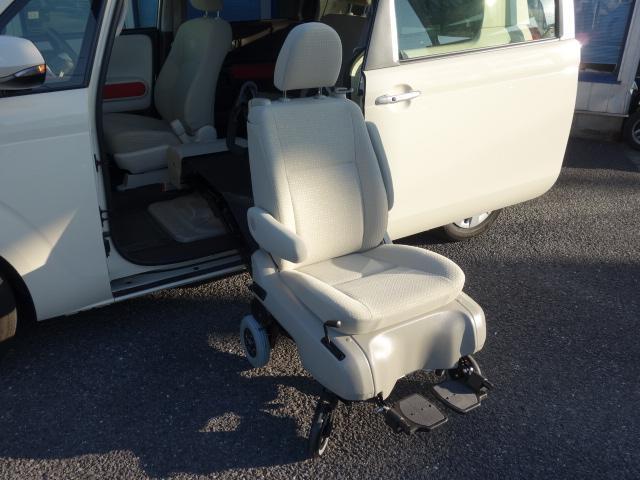 Fウェルキャブ車サイドアクセス車Aタイプ車いす収納装置脱着シート仕様手動式 純正SDナビバックカメラ ドライブレコーダー ナノイー ディスチャージヘッドライト TSS 衝突軽減 自動ドア(25枚目)