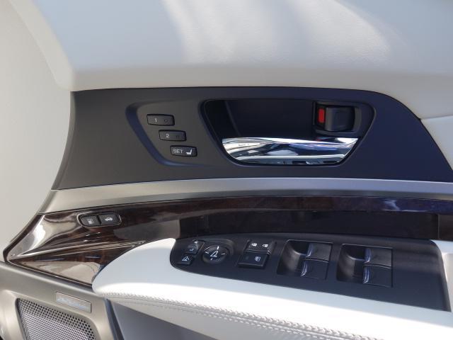 ベースグレード 1オーナー車 KRELLオーディオ アラウンドビューモニター サンルーフ ホンダセンシング 置くだけ充電 白革エアシート リア3面サンシェード ドライブレコーダー 19AW 純正トランクマット(30枚目)