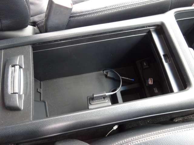 20G レザーパッケージ 純正ナビ リアカメラ シートヒーター ETC バックカメラ HDDナビ ETC スマートキー キーレス クルコン サイドエアバック シートヒー パワステ フルセグ HID(13枚目)