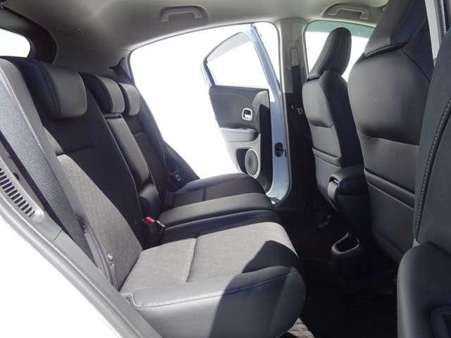 ハイブリッドZ・ホンダセンシング 8インチナビ Bluetooth シートヒーター 1オナ クルーズコントロール 地デジ アイドリングストップ シートヒーター 禁煙 ナビTV ETC メモリーナビ アルミ 盗難防止システム キーレス(7枚目)