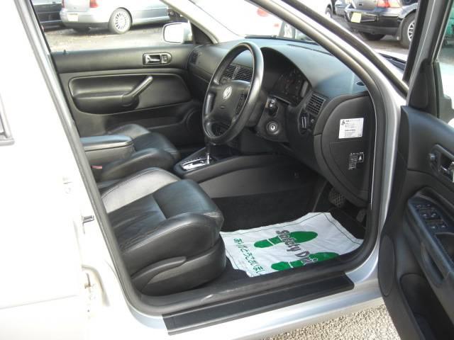 フォルクスワーゲン VW ゴルフワゴン GTプレミアムパッケージ レザーシート ヒーター 純正HID