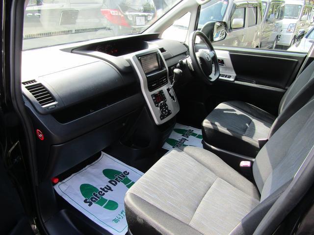 「トヨタ」「ヴォクシー」「ミニバン・ワンボックス」「東京都」の中古車13