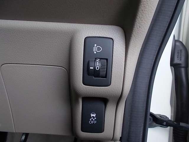 G・Lパッケージ ナビ Rカメラ L電動スライド 1オーナー スマキ- AUX CDデッキ 点検記録簿 両側スライド片側電動ドア イモビライザー ETC車載器 メモリナビ ABS ESC DVD アルミホイル ベンチ席(16枚目)