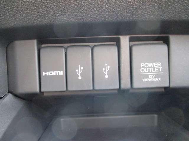アブソルート・EX 後席モニター 両側電動スライドドア(10枚目)