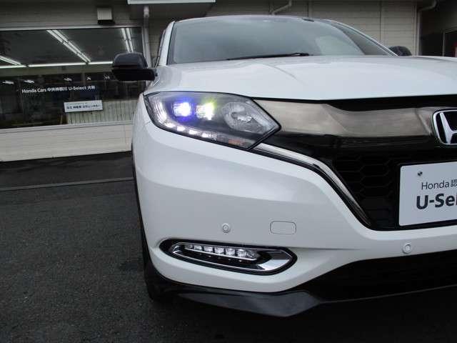 LEDヘッドライト機能! 点灯の瞬間から最大光量を発揮し、配光性にも優れ、夜間や悪天候時のほか、突然暗くなるトンネルなどでの安心感を高めてくれます!