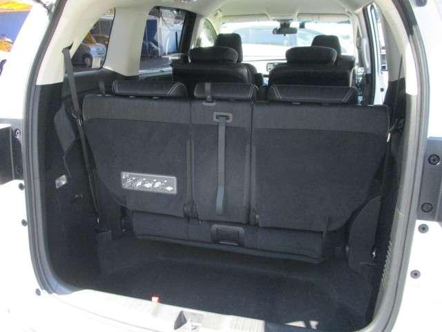 ラゲッジスペースです。荷物を積むスペースが十分に確保されております!