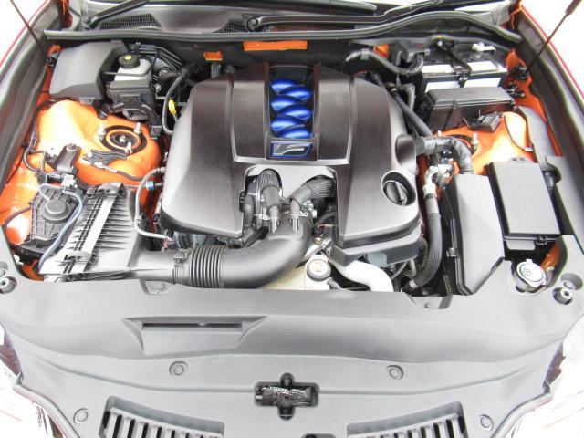 V8自然吸気の5000ccエンジン搭載♪