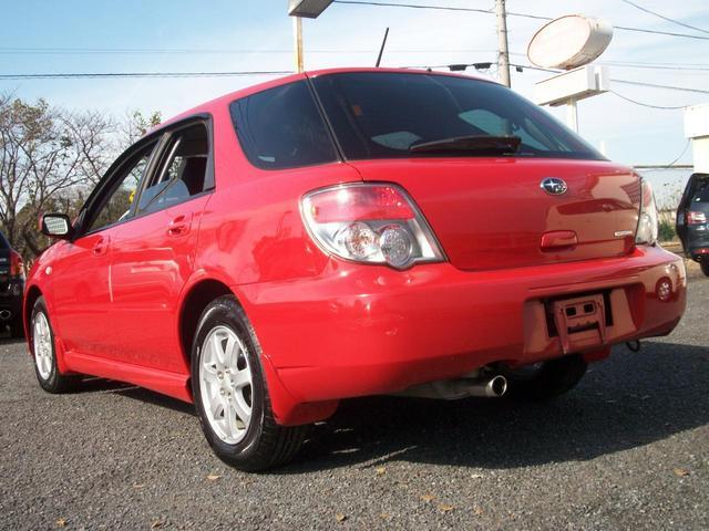 当店では低価格で高品質な車両販売を目指しております。新入庫車両は全てクリーニングを済ませてから展示しておりますので、お客様にご納得いただける自信がございます。