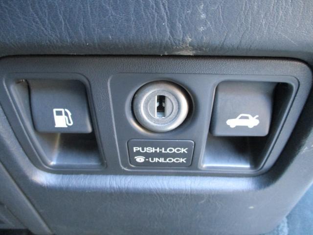 標準仕様車 デュアルEMVパッケージ パールホワイトオールペン・エアサス・20インチアルミ・電動格納ミラー(22枚目)