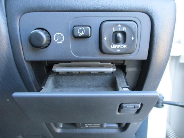 標準仕様車 デュアルEMVパッケージ パールホワイトオールペン・エアサス・20インチアルミ・電動格納ミラー(24枚目)