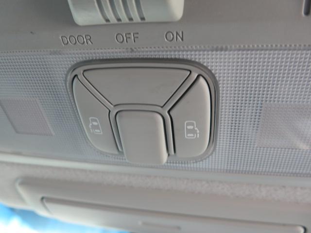 トヨタ エスティマハイブリッド アエラス 純正HDDナビ 天吊モニター 両側Pスライド