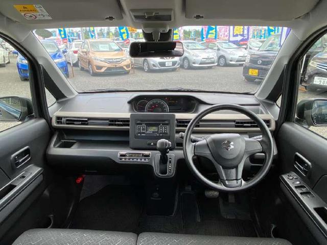ハイブリッドFX スズキセーフティサポート ワンオーナー禁煙車 AUX端子付CD コーナーセンサー CVTアイドリングストップ シートヒーター Fベンチシート アームレスト オートAC UVカット&プライバシーガラス(3枚目)