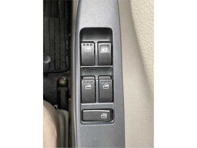 L アイドリングストップ 社外オーディオ CD再生 AUX接続 USB接続 ETC ドライブレコーダー ハロゲン レベライザー Wエアバッグ ABS(23枚目)