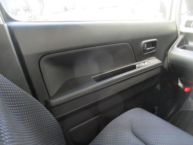 ハイブリッドXG 社外オーディオ CD AUX USB キーレス オートエアコン シートヒーター アイドリングストップ 盗難防止 ヘッドライトレベライザー ハロゲン フロアマット ドアバイザー デンカクミラー 禁煙車(18枚目)