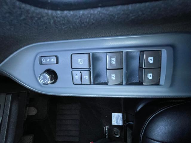 ハイブリッドV 禁煙 フル装備 純正SDナビ CD DVD Bluetooth フルセグ バックカメラ 前方ドラレコ 両側電動スライドドア 衝突被害軽減 シートヒーター LEDヘッドライト スマートキー ワンオーナー(29枚目)
