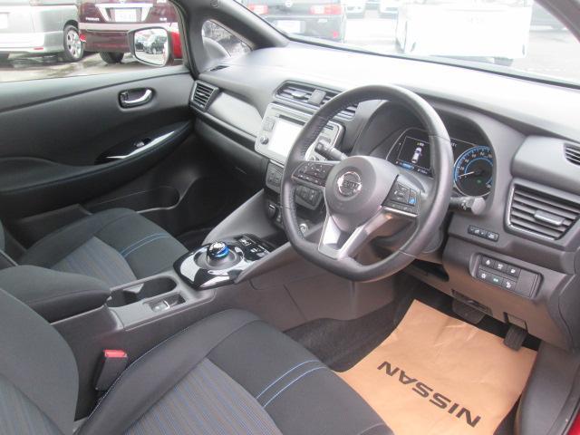 視界が良く運転性の良いヒーター機能付きフロントシート