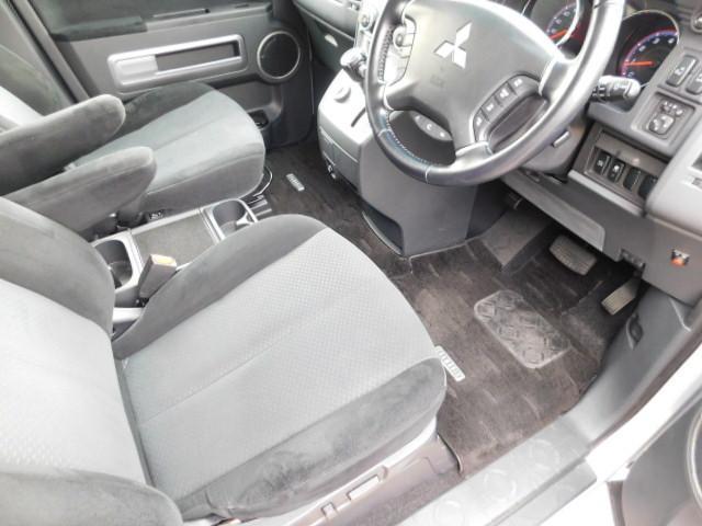 シャモニー4WD両側電動スライドドア1オーナー禁煙車7人乗り(13枚目)