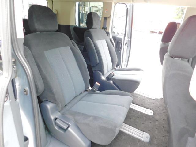 シャモニー4WD両側電動スライドドア1オーナー禁煙車7人乗り(14枚目)