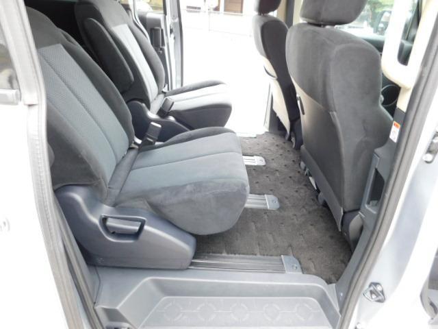 シャモニー4WD両側電動スライドドア1オーナー禁煙車7人乗り(15枚目)