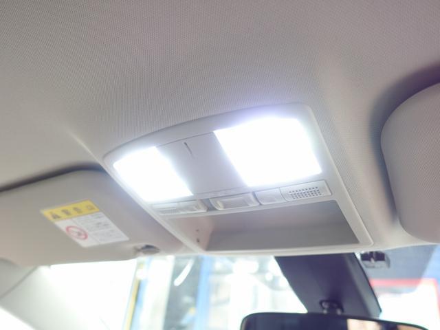 フェンダー加工/LEDウインカードアミラー/ルーフブラックカスタムペイント/室内灯専用フルLED変更/各ドアLED/Dxi poikaudio製サブウーハー/326パワーアルミナット/純正ドアバイザー