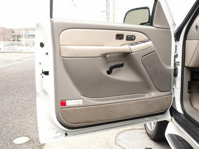 「シボレー」「シボレーサバーバン」「SUV・クロカン」「千葉県」の中古車64