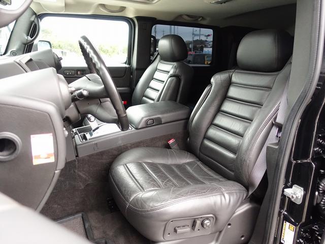 ラグジュアリーパッケージ 新車並行 走行52600km カロッツエリアSD地デジナビゲーション ETC HIDライト 黒革シート サンルーフ 純正17AW オールテレーンタイヤ クロームサイドステップ VIPERセキュリティ(4枚目)