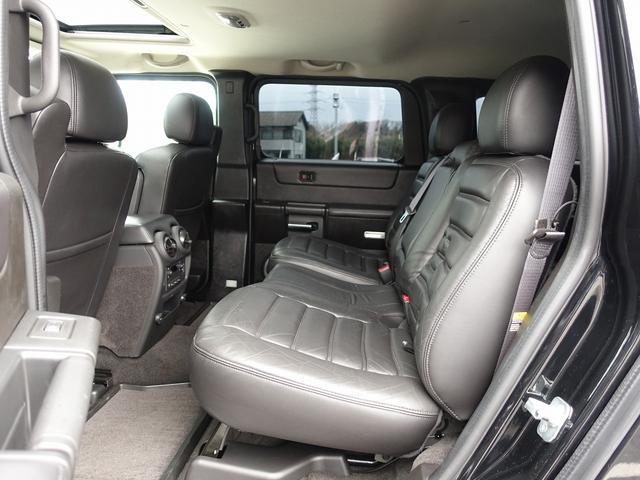 ラグジュアリーパッケージ 新車並行 走行52600km カロッツエリアSD地デジナビゲーション ETC HIDライト 黒革シート サンルーフ 純正17AW オールテレーンタイヤ クロームサイドステップ VIPERセキュリティ(5枚目)