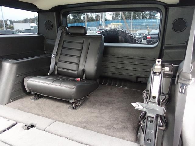 ラグジュアリーパッケージ 新車並行 走行52600km カロッツエリアSD地デジナビゲーション ETC HIDライト 黒革シート サンルーフ 純正17AW オールテレーンタイヤ クロームサイドステップ VIPERセキュリティ(6枚目)