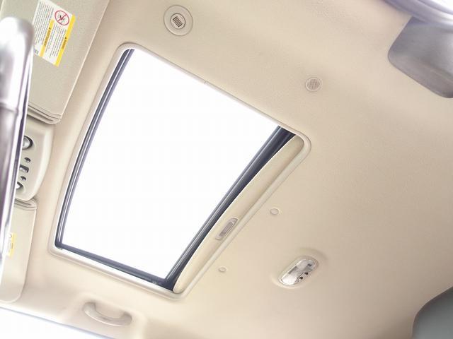 ラグジュアリーパッケージ 新車並行 走行52600km カロッツエリアSD地デジナビゲーション ETC HIDライト 黒革シート サンルーフ 純正17AW オールテレーンタイヤ クロームサイドステップ VIPERセキュリティ(15枚目)