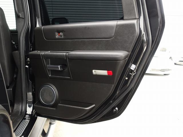ラグジュアリーパッケージ 新車並行 走行52600km カロッツエリアSD地デジナビゲーション ETC HIDライト 黒革シート サンルーフ 純正17AW オールテレーンタイヤ クロームサイドステップ VIPERセキュリティ(70枚目)