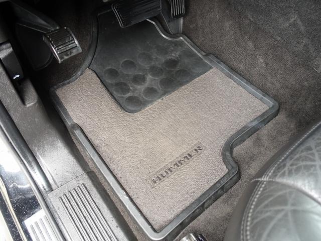 ラグジュアリーパッケージ 新車並行 走行52600km カロッツエリアSD地デジナビゲーション ETC HIDライト 黒革シート サンルーフ 純正17AW オールテレーンタイヤ クロームサイドステップ VIPERセキュリティ(79枚目)