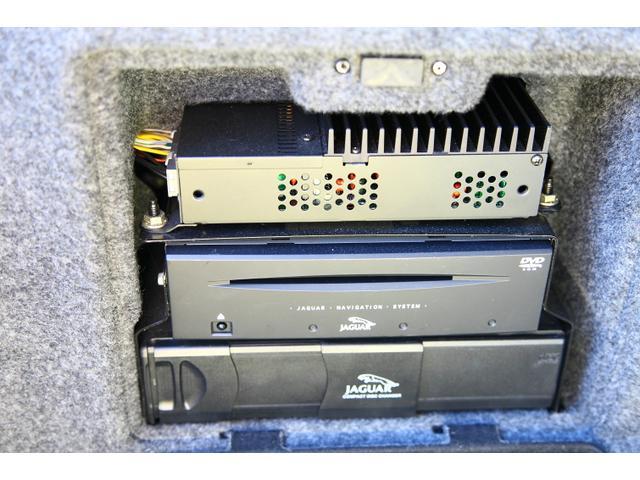 ジャガー ジャガー Sタイプ 3.0V6 後期型6速AT レザーシート 記録簿
