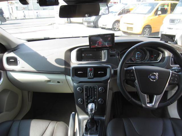 ボルボ ボルボ V40 T4 SE シティセーフ 本革シート シートヒータ・COOL
