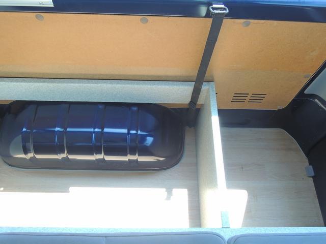 トヨタ ハイエースバン オグショー製バンコン サブバッテリー 走行充電