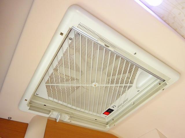 ベースグレード YMS レガード FFヒーター プルダウンベッド DC冷蔵庫 サイドオーニング ギャレーシンク カセットトイレ インバータ(72枚目)