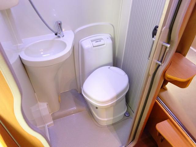 ベースグレード YMS レガード FFヒーター プルダウンベッド DC冷蔵庫 サイドオーニング ギャレーシンク カセットトイレ インバータ(76枚目)