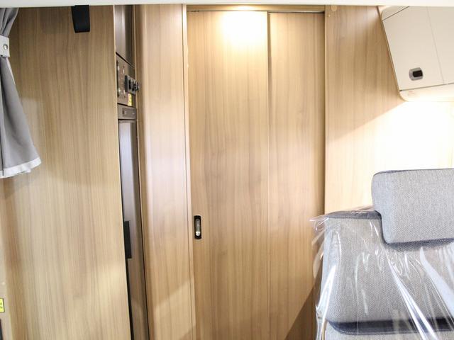 デュカト サンリビングS70CS ルーフエアコン 温水ボイラー 温水シャワー FFヒーター 冷蔵庫 プルダウンベッド アイランドベッド 独立トイレ・シャワールーム(15枚目)