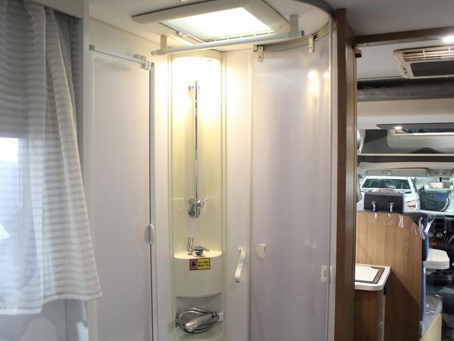 デュカト サンリビングS70CS ルーフエアコン 温水ボイラー 温水シャワー FFヒーター 冷蔵庫 プルダウンベッド アイランドベッド 独立トイレ・シャワールーム(34枚目)