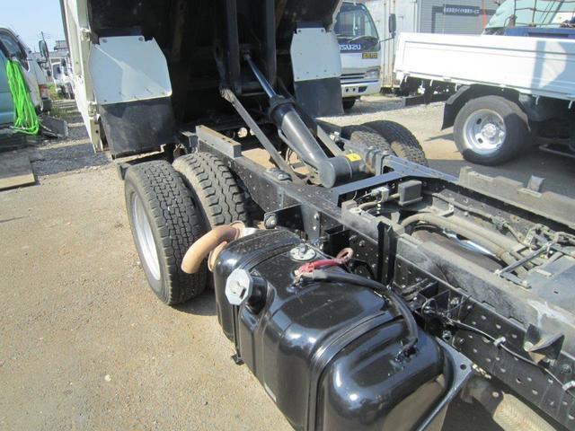 いすゞ エルフトラック フルフラットロ-強化ダンプ 3.0t