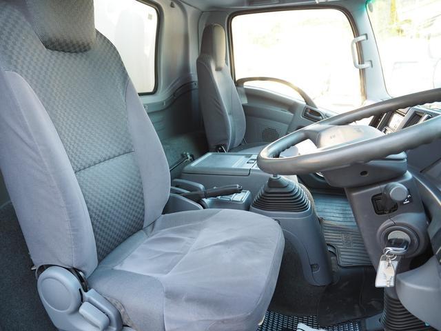 格納パワーゲート付 積載2.9トン 6速マニュアル ワイドボデー(14枚目)
